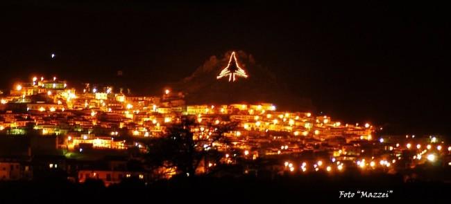 Albero Di Natale Gubbio.Francavilla Marittima E Gubbio Insieme Sotto L Albero Di Natale