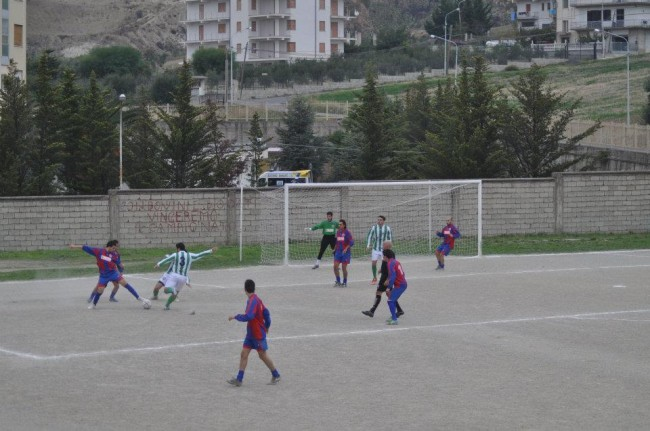 Calcio, 2^ categoria. Francavilla vede 2^ posto. Ultimi 90′ per griglia play off e play out