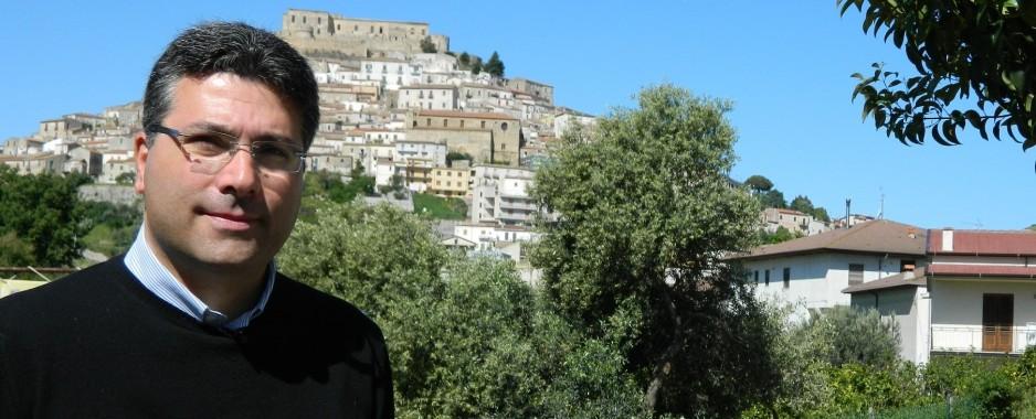 Rocca Imperiale, Giovanni Gallo candidato a sindaco (VIDEO)