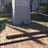 Ordigno bellico davanti Monumento ai Caduti nel reggino