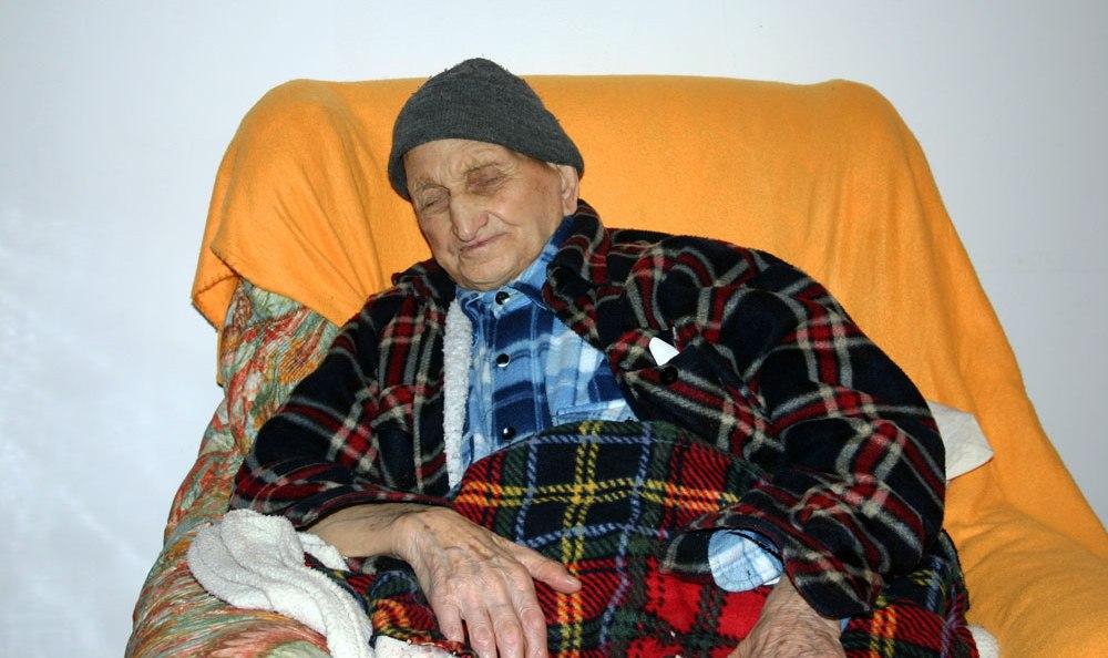 Nonno In Poltrona.E Morto Il Nonno D Italia Aveva 111 Anni Era Calabrese