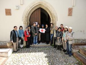 Giapponesi all'ingresso del Museo Diocesano di Rossano