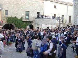 balli in piazza VILLAPIANA ANNIVERSARIO