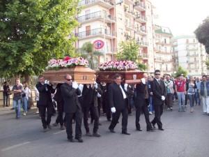 donne investite a rossano funerali
