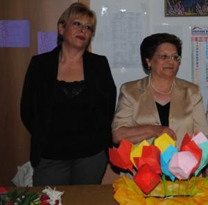 Da sinistra, la dirigente scolastica Veltri e l'insegnante