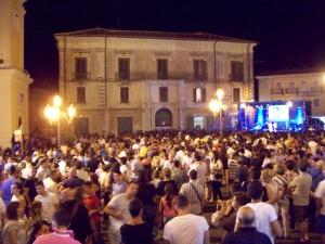Bagno di folla per la cantante Verdiana Zangaro (1) (1)