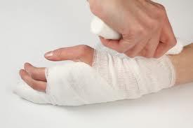 Mani ferite (rep.)
