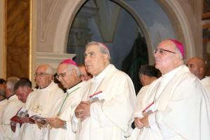 Da sinistra gli arcivescovi. già pastori della chiesa cassanese: Bertolone. Mugione e Graziano
