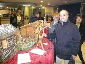 L'artista D.co Mitidieri autore di pastori in legno lavorati a mano