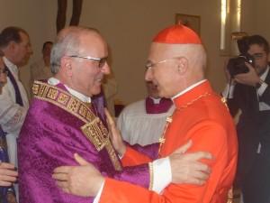 Galantino e Bagnasco al momento dell'ordinazione del presule pugliese come vescovo della Diocesi di Cassano. I due si ricontreranno ora direttamente alla Cei