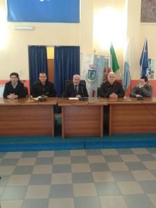 Un momento della conferenza stampa del sindaco di Crosia Aiello