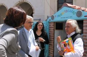"""Il professor Antonio La Cava, autore del progetto """"Bibliomotocarro"""""""