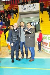 Da sinistra Mister Ceppi, Dg Madeo e il presidente Onorario Olivieri