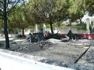 Il chiosco bruciato(1)