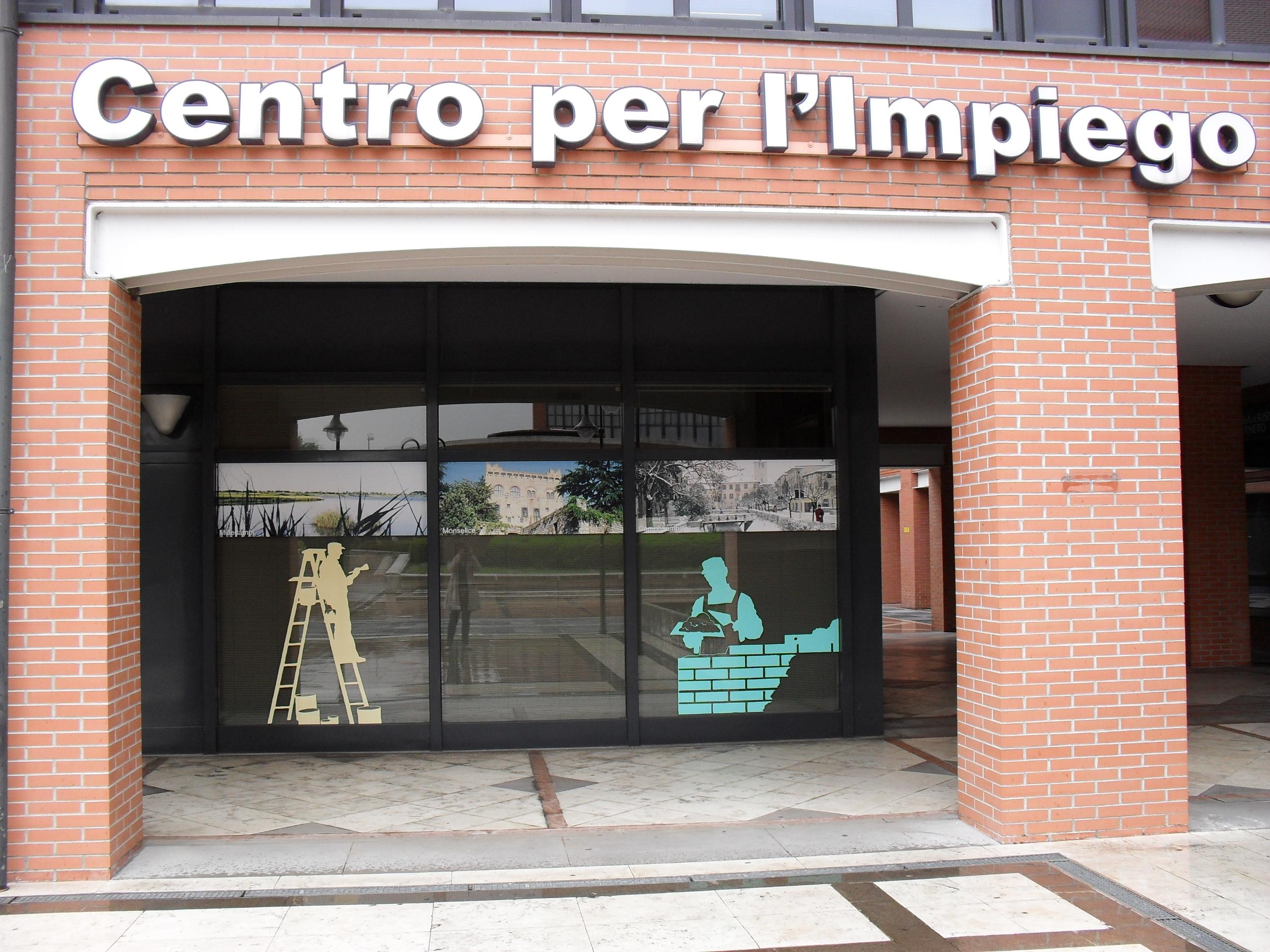 Rossano i 5 stelle scrivono alla provincia al centro for Centro ufficio