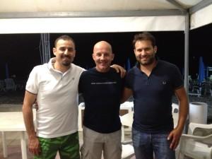 A sinistra, Madeo (Dg Pasta Pirro Corigliano  calcio a 5), al centro mister Ceppi e a destra il team manager Forace