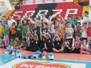 Foto di gruppo della Scherma Club Corigliano