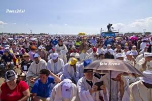 Nella spianata di Marina di Sibari per la Santa Messa
