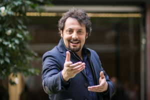 Enrico Brignano il 26 agosto sarà a Villapiana