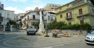 Piazza Mazzini con Monumento ai Caduti