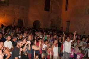 """Molte le persone presenti all'evento """"Dal tramonto all'alba"""" di Rocca Imperiale"""