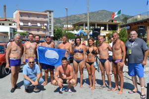 nuotata bandiera blu