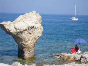Spiaggia di Roseto Capo Spulico nell'Alto Jonio cosentino