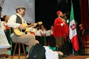 L'esibizione  presso il teatro comunale di Cassano allo Jonio
