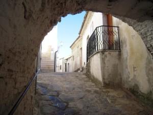 Uno scorcio del centro storico di Rocca Imperiale