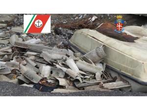 I materiali pericolosi ritrovati in una discarica abusiva a Cariati