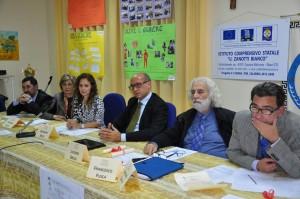 """I relatori del seminario sulla """"buona scuola"""" che si è tenuto nell'Istituto comprensivo """"Umberto Zanotti Bianco"""" di Sibari"""