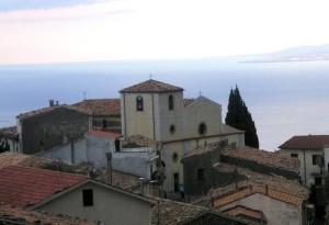 La Chiesa di Cerchiara dove si sono svolti i funerali del Maresciallo di Marina in pensione, Francesco Pistocchi