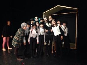 La Biscardi con le allieve della scuola durante le prove dello spettacolo