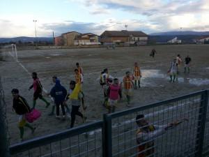 I giocatori del Trebisacce salutano i loro tifosi al termine del match di Roggiano