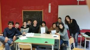 Francesco Caligiuri, Nuccia Benvenuto e Diamante Bruno con gli studenti dello scientifico di  Corigliano