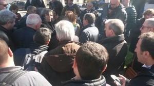 Manifestanti ascoltati dal Senatore Gasparri