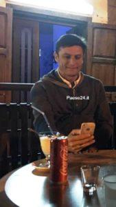 Zanetti in relax in un locale di Villapiana centro